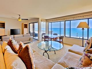 Oceanfront condo with whitewater views, pool, spa, + tennis, Solana Beach