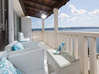 Beautiful apartment with spectacular view, CR148, Mimice