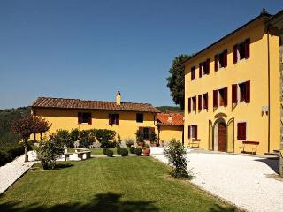 Villa Montecatini, Massa e Cozzile