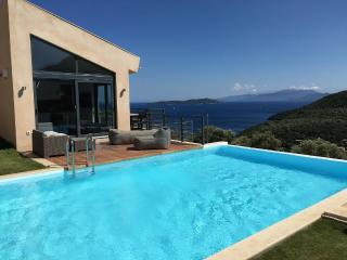 The villa of your dreams with spectacular views ,tennis and pool - Villa Fallon