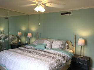 3 Bedroom 2 Bathroom, 1800 SQ FT OPEN FLOOR Condo, Destin