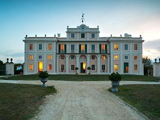 Villa Darmene, San Brizio