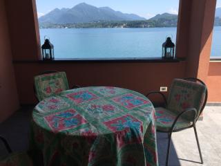 eleganti camere, spiaggia privata, Stresa
