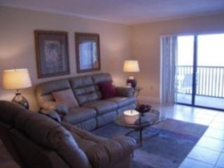 Beautiful, Affordable Close to famous Siesta Beach