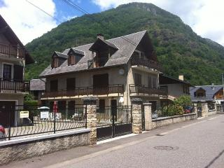 2 beds parking views, Bagneres-de-Luchon