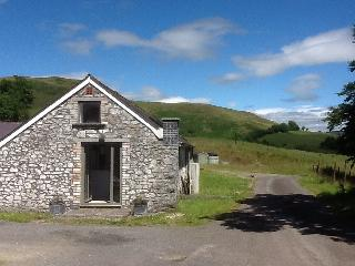 Owl Barn - Wow - lovely, and what great views, Llandovery