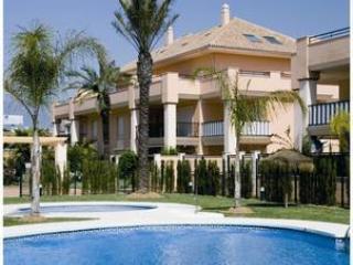 Preciosa casa de 2 dormitorios con Jardin, Marbella