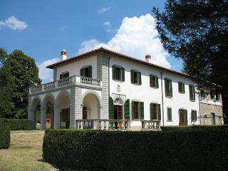 Elegant Villa in Panoramic Position near Florence, Marradi