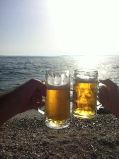 You can order your beer or other during from the bar and have it by the sea