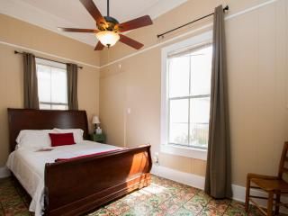 Cajun Hostel Downtown - Master Room, Lafayette