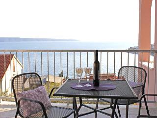 Charming apartment with sea views 4866, Okrug Gornji