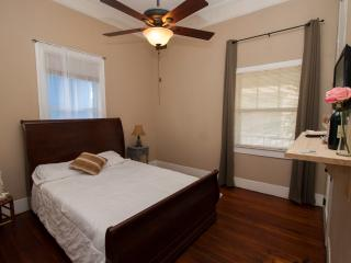 Cajun Hostel Downtown - Guest Room, Lafayette