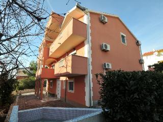 Cosy studio apartment with pool 11146, Okrug Gornji