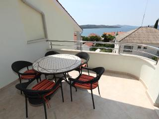 Lovely apartment with pool 12445, Okrug Gornji