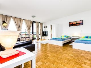 84 Nice apartment in Cologne Weiden, Colonia