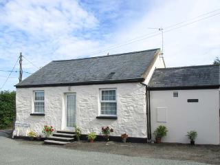 WINGANNA, former Shire horse stable, character features, off road parking, walks