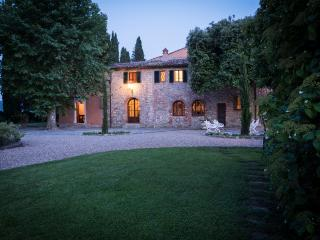 Villa in Bucine, Siena and surroundings, Tuscany, Italy, Montebenichi