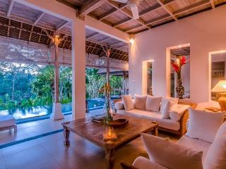 Secluded Escape for a Couple with Spectacular Panoramic Views, Ubud
