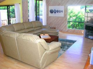 2 Bedroom, 2 Bathroom Vacation Rental in Solana Beach - (SUR167)