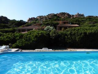 Villa Olivastro with swimming pool, Costa Paradiso
