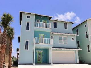 Spacious 6 bedroom home in beachfront Gulfwaters! Private Pool!, Port Aransas