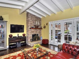 GORGEOUS REMODELED CDM COTTAGE - Great Location in the heart of the village