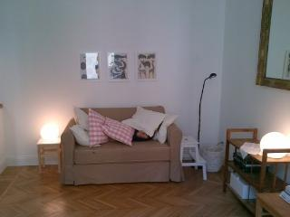 Charming flat with terrace, Milan