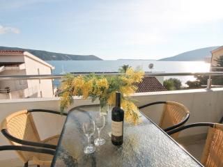 Apartment 20m from the beach Savina, Herceg-Novi