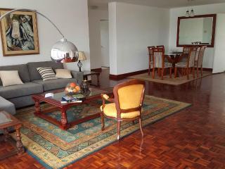 Amplio Apartamento, Excelente Ubicación, Lima