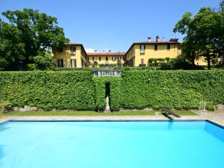 Villa La Vescogna, Historical house near Lake Como, Lecco