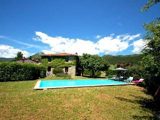 Villa villa with private pool 500m from village, Villa Collemandina