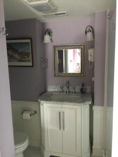 another view of same bathroom