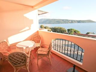 Apartment overlooking the Bay in Herceg-Novi