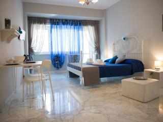 Authentic Sweet Home - La Notte, Roma