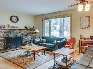 Cozy single-level home just 2 miles to Heavenly Mountain Resort!