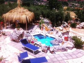 """case vacanze """"Le capanne di villa Margherita"""", Sonnino"""