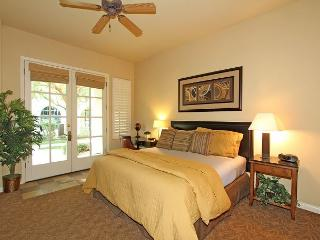 A Spacious Downstairs Legacy Villas Studio Located on a Quiet Greenbelt, La Quinta
