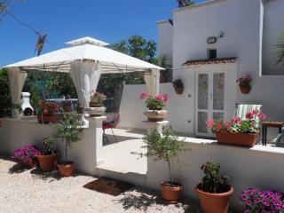 Bellaterra Romantic trullo in Puglia near the sea, Carovigno