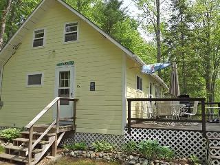 THE BAXTER | JEFFERSON MAINE | DAMARISCOTTA LAKE | LAKE SIDE | OPEN DECK | INCREDIBLE VIEWS | PET-FRIENDLY, Boothbay