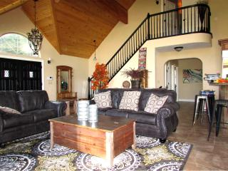 Huge family room next to kitchen for EZ entertaining. Stair to master bedroom