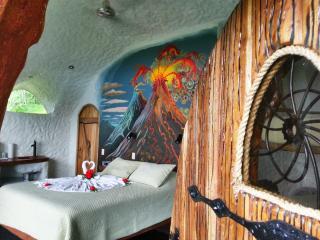 Leaves and Lizards Arenal Volcano Cabin Retreat, La Fortuna de San Carlos