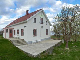 Karlsá Lodge, Dalvik