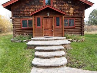Picturesque Custom Log Cabin, Wilson