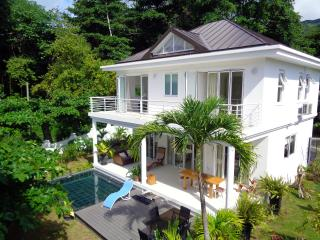 Las Brísas Luxury Villa on beachfront, Beau Vallon