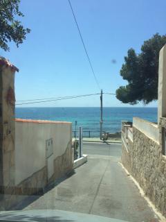 5 min walk to beach