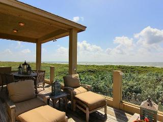 Located directly on the beachfront, incredible views!