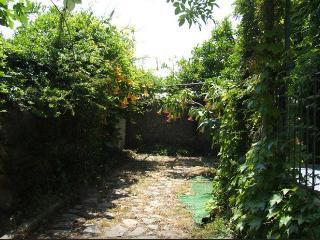 QUIET ROOM - LEONARDO UNDER CONSTRUCTION