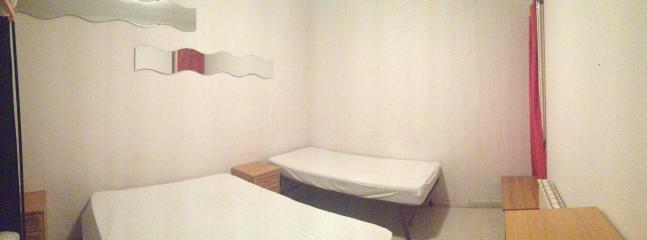 Bedroom N2 for 3 guests ( 1 double bed and I single)