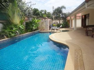 AdG 2- 3 bedroom house with pool at Jomtien AD2-18, Pattaya