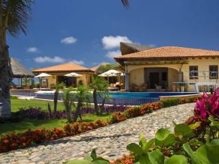 Estate Primavera - Ideal for Couples and Families, Beautiful Pool and Beach